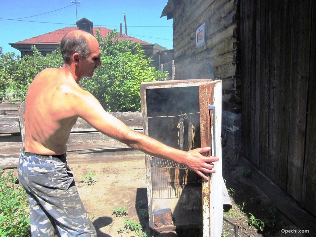 Коптильня своими руками для горячего копчения из бочки