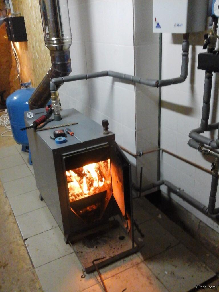 Твердотопливный котел для отопления гаража