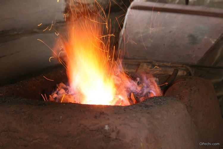 Пламя кузнечного горна