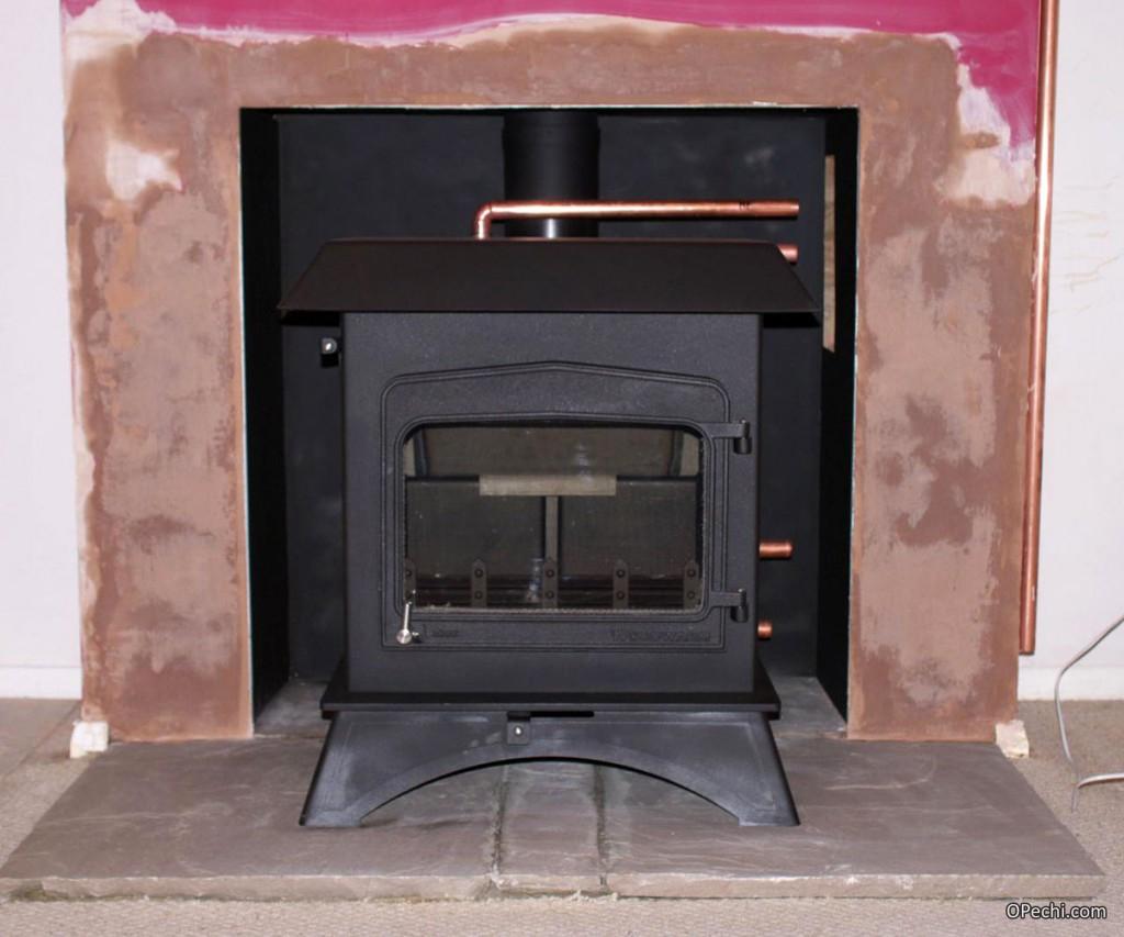 Печь-камин с водяным контуром отопления